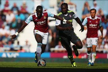 Kenwyne Jones Mohamed Diame West Ham United v Stoke City - Premier League