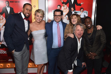 Kevin Hart Josh Gad 'The Wedding Ringer' Premieres in Hollywood