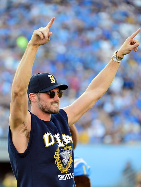 ac32d5fc3d2 List of Synonyms and Antonyms of the Word  kevin love ucla