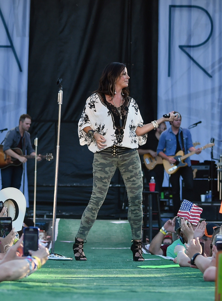 Sara Evans Photos Photos Kicker Country Stampede