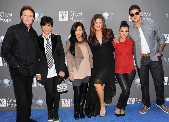 Kim Kardashian (L-R) Bruce Jenner, Kris Kardashian, Kim Kardashian, Khloe Kardashian, Kourtney Kardashian and Robert Kardashian arrive for the City of Hope honoring Shelli And Irving Azoff with the 2011 Spirit of Life award at Universal Studios Hollywood on May 7, 2011 in Universal City, California.