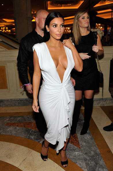 Kim Kardashian - Kim Kardashian Celebrates Her Birthday At Tao Nightclub