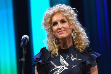 Kimberly Schlapman Grand Ole Opry Total Eclipse 2017 Show