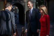 King Felipe VI (2nd R) of Spain and Queen Letizia of Spain are welcomed by Dutch Prime Minister Mark Rutte at the Ministry of General Affairs with on October 15, 2014 in The Hague, Netherlands. Spain's royal couple are in the Netherlands for a one-day official visit.