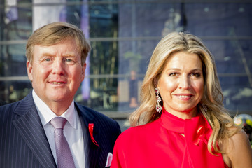 King Willem-Alexander King Willem-Alexander Of The Netherlands And Queen Maxima Attend The Red Ribbon Concert in Afas live In Amsterdam