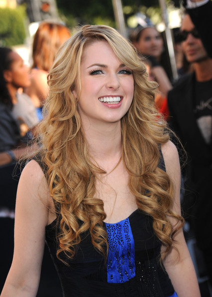 kirsten prout net worth