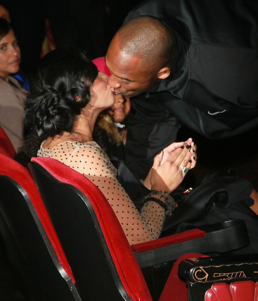Kobe Bryant and Vanessa Bryant Photos Photos Kobe Bryant Hand And