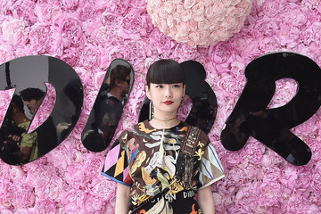 Kozue Akimoto Dior Homme: Photocall - Paris Fashion Week - Menswear Spring/Summer 2019