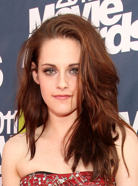 kristen stewart mtv movie awards 2011 pics. 2011 MTV Movie Awards - Red