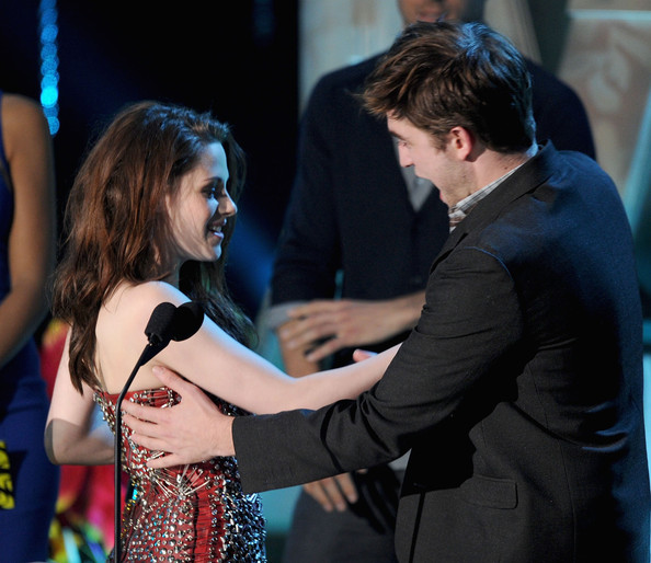 Kristen Stewart and Robert Pattinson - 2011 MTV Movie Awards - Show