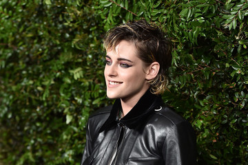 Kristen Stewart Charles Finch And Chanel Pre-Oscar Awards Dinner At Madeo In Beverly Hills - Arrivals