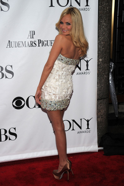 64th Annual Tony Awards - Arrivals [clothing,dress,cocktail dress,carpet,shoulder,red carpet,premiere,fashion,leg,strapless dress,arrivals,kristen chenoweth,tony awards,new york city,radio city music hall,64th annual tony awards]