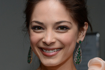 Kristin Kreuk 39th Annual People's Choice Awards - Backstage And Audience