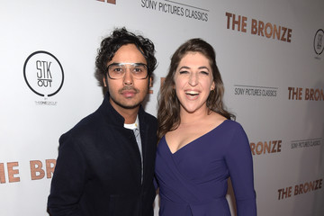 Kunal Nayyar Mayim Bialik Premiere of Sony Pictures Classics' 'The Bronze' - Red Carpet