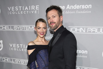Kyle Newman Fifth Annual Baby2Baby Gala, Presented by John Paul Mitchell Systems - Red Carpet