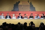 """(FromL) British actor Jared Harris, French actor Jean Reno, South African-US actress Charlize Theron, Spanish actor Javier Bardem, French actress Adele Exarchopoulos, US actor and director Sean Penn, US actor Zubin Cooper and US producer Matt Palmieri attend on May 20, 2016 a press conference for the film """"The Last Face"""" at the 69th Cannes Film Festival in Cannes, southern France.  / AFP / Laurent EMMANUEL"""