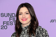 Anne Hathaway Photos Photo