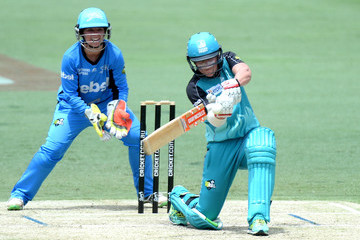 Laura Harris WBBL - Strikers v Heat