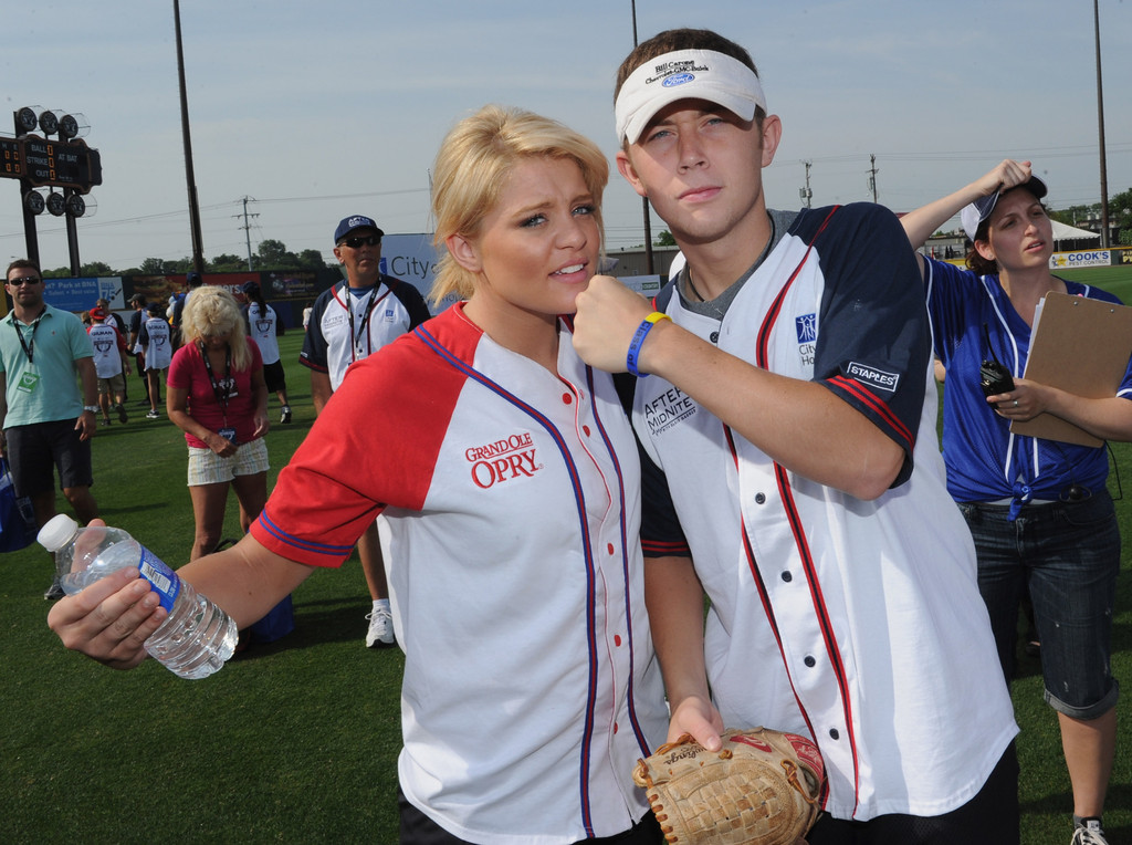 are scotty mccreery and lauren alaina dating 2012