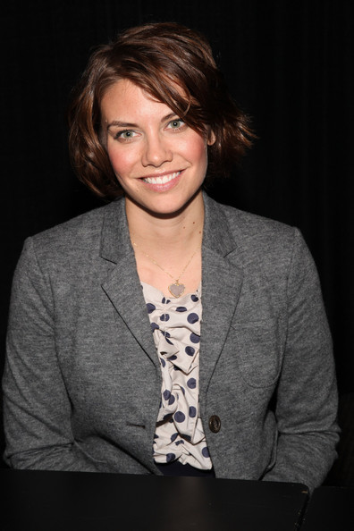 "Lauren Cohan Lauren Cohan attends New York Comic Con - ""The Walking"