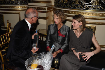 Lauren Hutton Moet & Chandon Toasts to Harper's Bazaar Icons - Inside