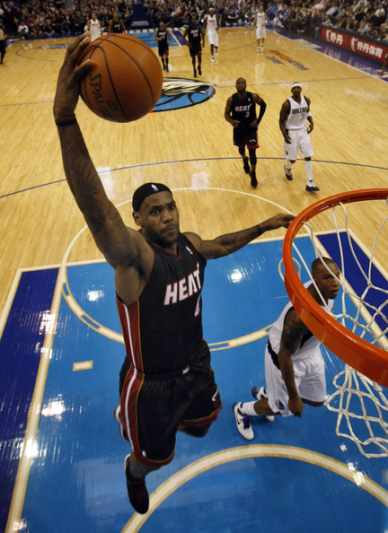 c49660a23455ab dicante blogs  pictures of lebron james dunking on lakers