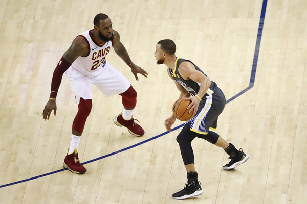 2018 NBA Finals - Game Two [game two,sports,basketball player,player,team sport,ball game,sports equipment,tournament,basketball,sport venue,basketball court,stephen curry,user,user,lebron james,note,ball,game,nba,finals]