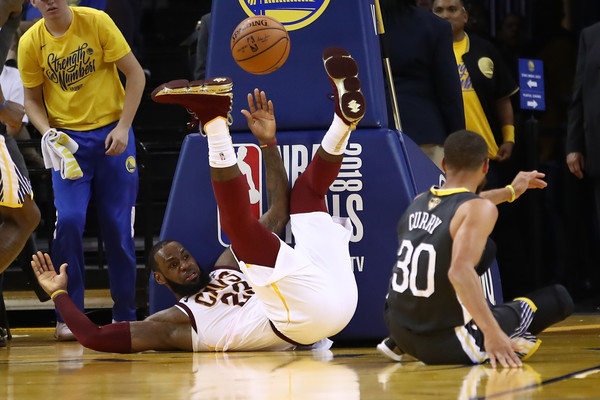 Sports Pictures Of The Week - June 4, 2018 [usa - sports pictures,photograph,basketball,sports,basketball player,ball game,player,basketball moves,tournament,team sport,basketball court,user,lebron james,note,game,oracle arena,cleveland cavaliers,golden state warriors,nba finals]