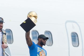 LeBron James 2016 NBA Champion Cleveland Cavaliers Airport Arrival