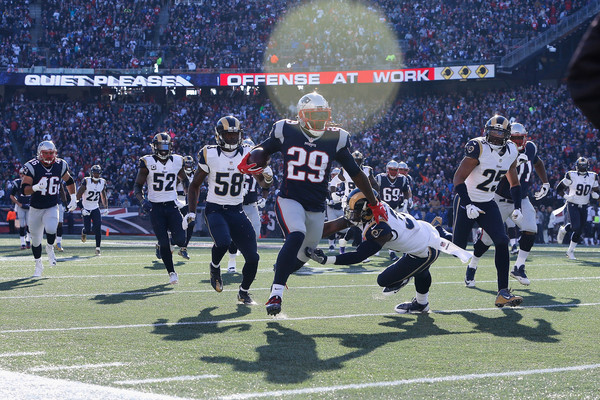 http://www2.pictures.zimbio.com/gi/LeGarrette+Blount+Los+Angeles+Rams+v+New+England+P2-UCjQB1HAl.jpg