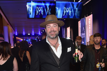 Lee Brice Moet & Chandon at the 51st Annual CMA Awards - Red Carpet