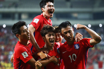 Lee Chung-Yong South Korea v China - 2018 FIFA World Cup Qualifier Group A
