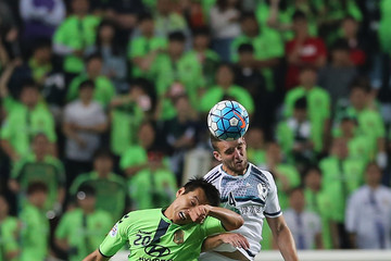 Lee Dong-Gook Jeonbuk Hyundai Motors v Melbourne Victory - AFC Champions League Round Of 16