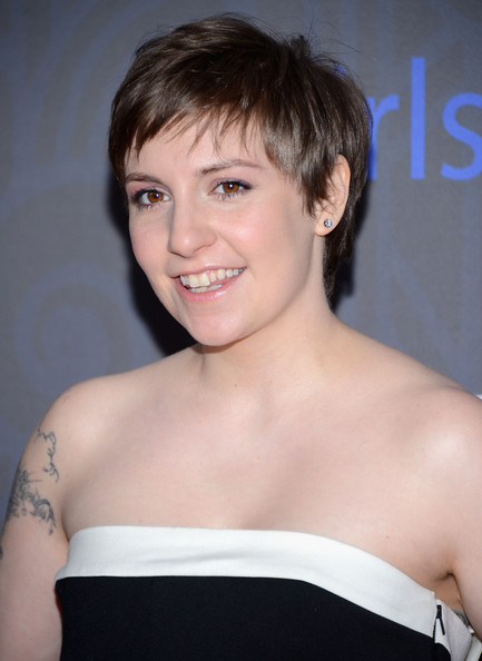 Lena dunham attends the premiere of girls season 2 hosted by hbo