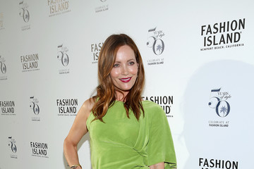 Leslie Mann Los Angeles Confidential Celebrates Fashion Island's 50th Anniversary With Summer Cover Star Leslie Mann