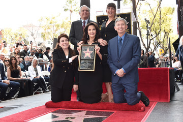 Leslie Moonves Lynda Carter Is Honored With A Star On The Hollywood Walk Of Fame
