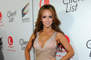 Jennifer Love Hewitt - Stars Who Are Famously Proud of Their Curves