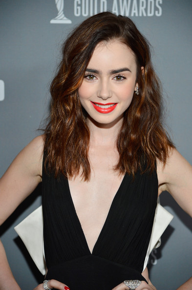 lily collins dating zimbio Lily collins, british-american actress & model's past relationship, breakup, boyfriend, rumors, present relationship, patch up, current relationship status.
