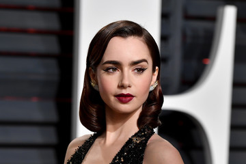 Lily Collins 2017 Vanity Fair Oscar Party Hosted By Graydon Carter - Arrivals