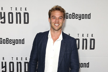 lincoln lewis - photo #46