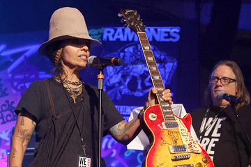 Linda Perry Kerry Brown 2020 Getty Entertainment - Social Ready Content