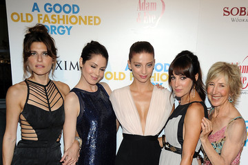 Michelle Borth and Lindsay Sloane Pictures