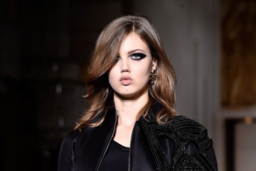 Lindsey Wixson Versace : Runway - Paris Fashion Week - Haute Couture S/S 2015