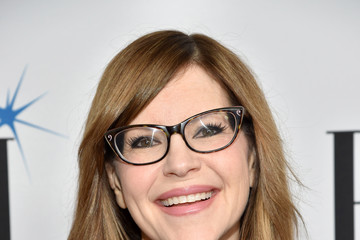 Lisa Loeb Broadcast Music, Inc (BMI) Honors Barry Manilow at the 65th Annual BMI Pop Awards - Red Carpet