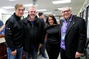 Lisa Oz Mehmet Oz 2018 Big Game Weekend Hearing Mission With Starkey Hearing Technologies