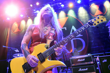 Lita Ford  Ace Frehley and Lita Ford Perform in Concert at Brooklyn Bowl Las Vegas