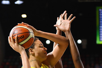 Liz Cambage Basketball - Commonwealth Games Day 2