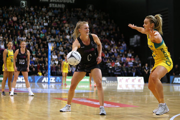 Liz Watson New Zealand v Australia - 2017 Netball Quad Series