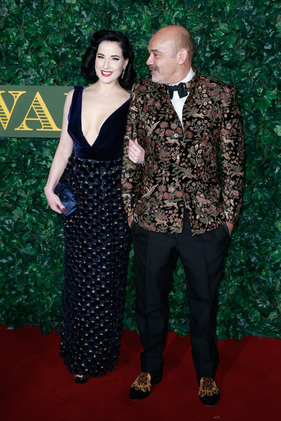 sperry christian personals On sunday night, whiplash star miles teller, 31, piled on the pda with his fiancé keleigh sperry, 25, on the red carpet of the vanity fair oscar party in beverly hills.
