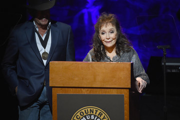 Loretta Lynn Country Music Hall of Fame and Museum Hosts Medallion Ceremony to Celebrate 2017 Hall of Fame Inductees